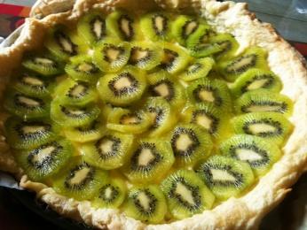 Tarta de hojaldre con kiwi (y crema pastelera)