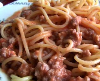 espaguetti a la boloñesa para vagos