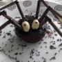 cupcakes araña de chocolate y fresa para Halloween - Paso 8 de la receta