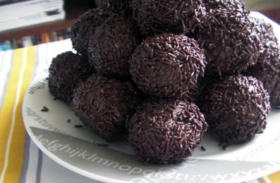 trufas heladas de chocolate crujiente