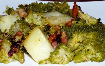 Brocolis con patatas y jamón