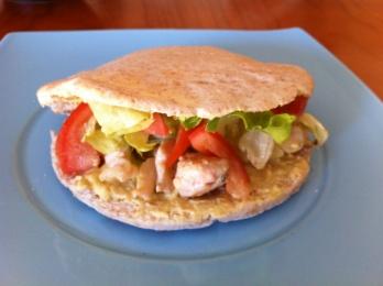Kebab light de pollo y salsa de mostaza