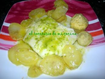 Bacalao al horno con patatas y alcachofas