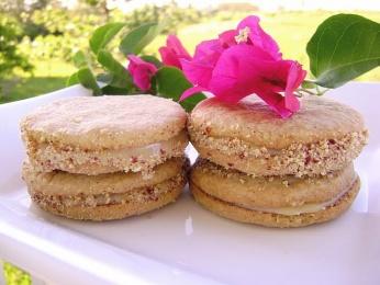 Galletas rellenas con Dulce de Leche y Cacahuete