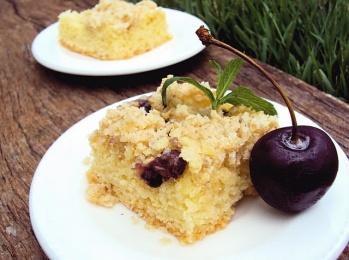 Crumble Cake de Cereza y Kiwi