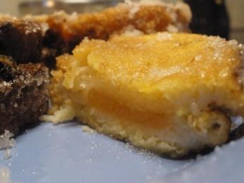 torrijas rellenas de queso y membrillo