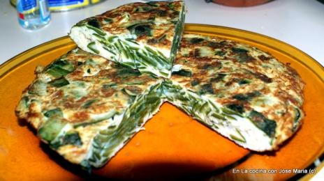 Tortilla con mondas de calabacín