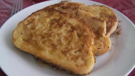 tostadas francesas tradicionales con pan rústico